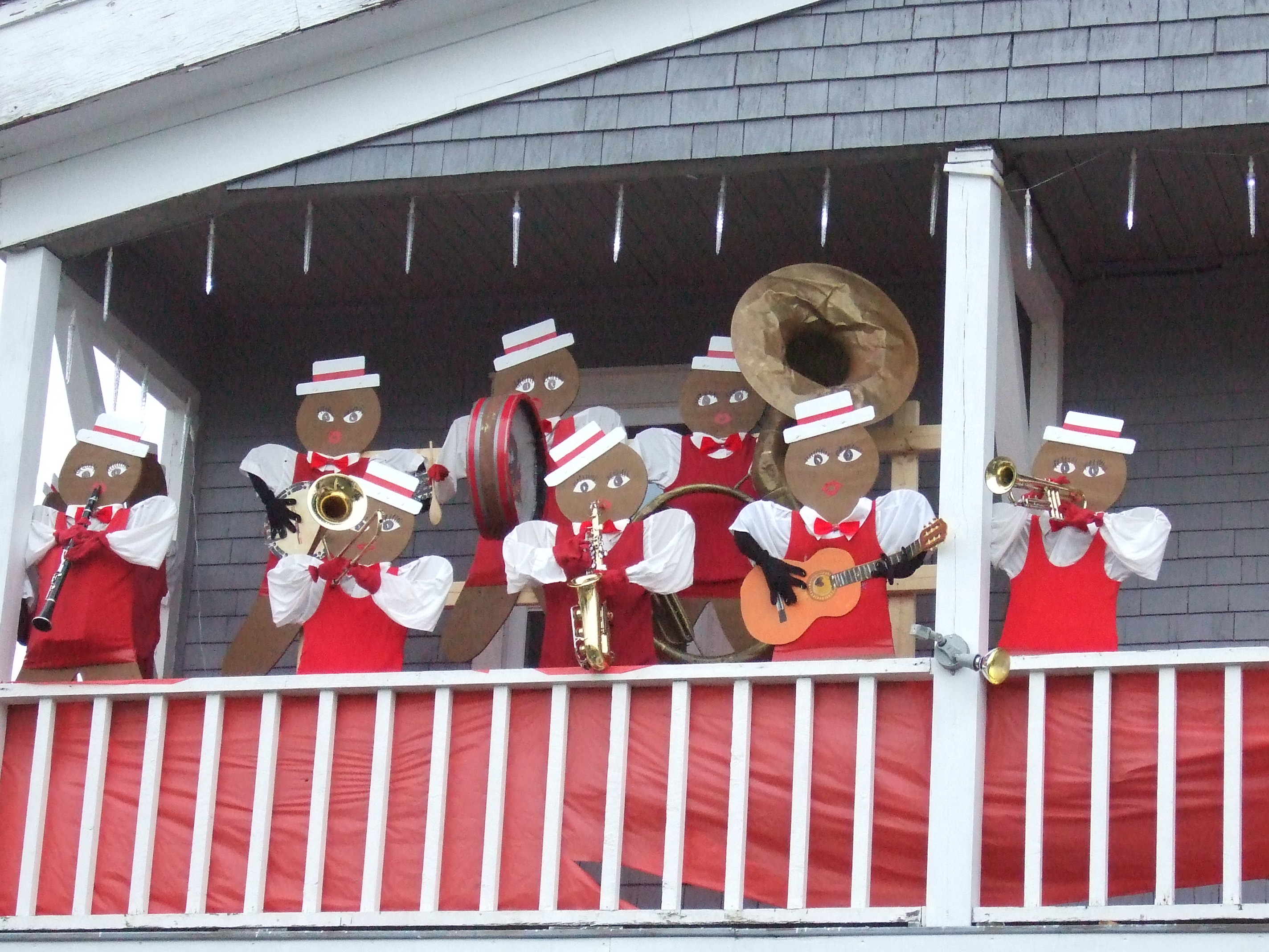 wooden gingerbread men - dixie band
