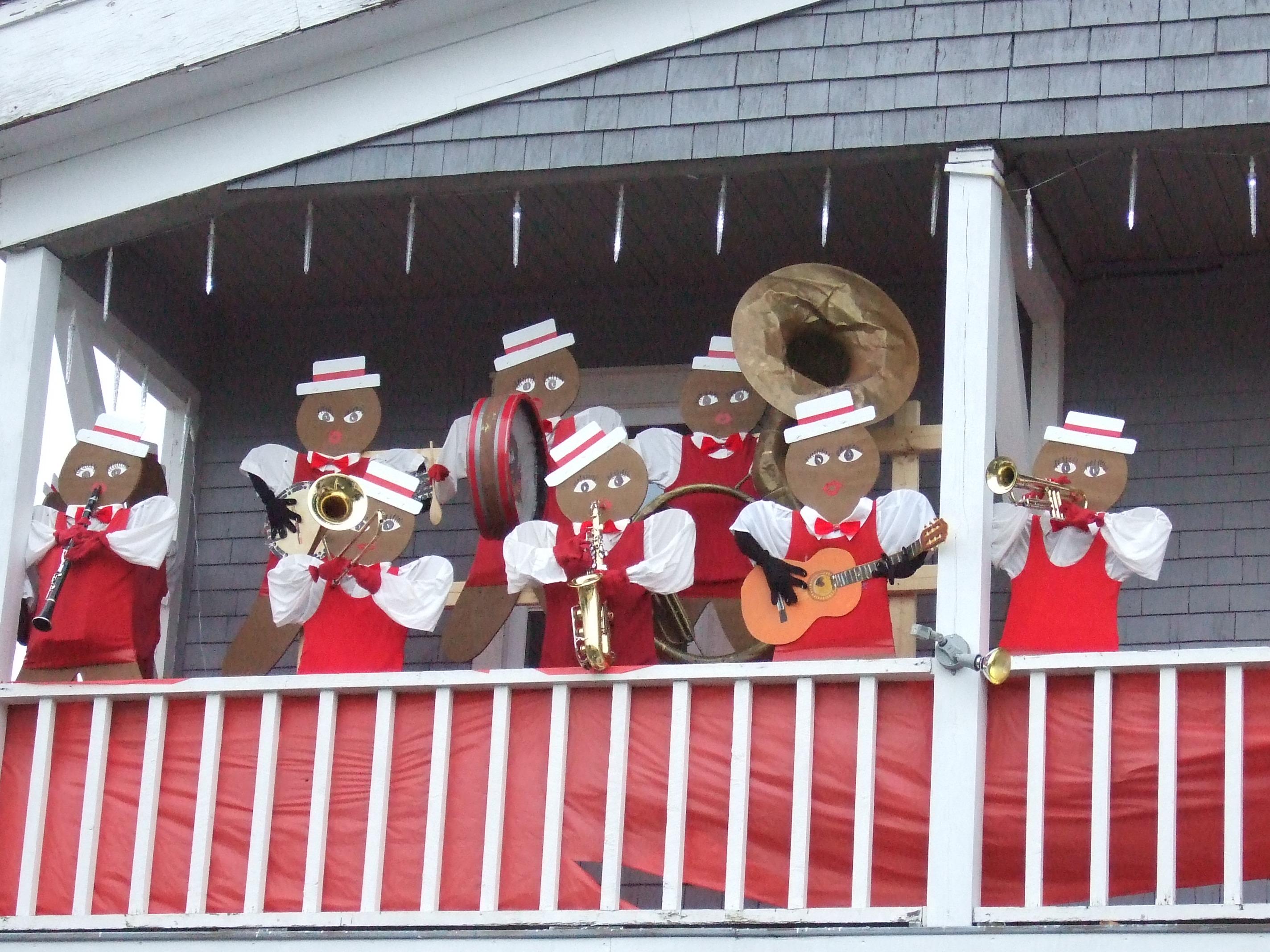 wooden gingerbread men - dixie band