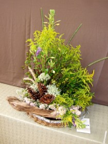 Fresh stems of Goldenrod dominated this wildflower display.