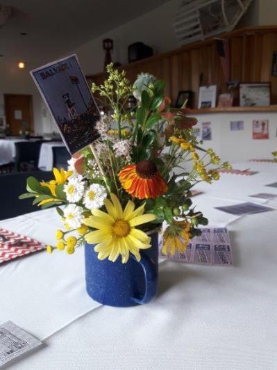 2018 0 7 26_Tea Table Centerpieces thanks to Susan Davis 111333