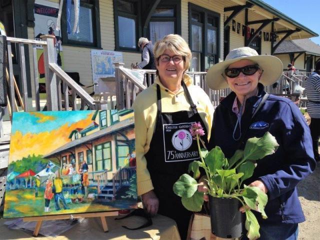 Jayne and artist Maria Kuttner (2)